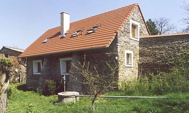 REDEVELOPMENT AND RECONSTRUCTION OF FARM HOUSE - ZDIMERICE